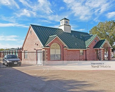 Storage Units for Rent available at 2044 West State Highway 114, Grapevine, TX 76051 Photo Gallery 1