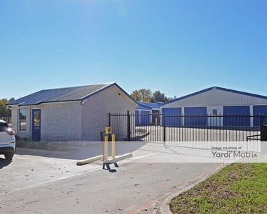 Storage Units for Rent available at 1004 Southeast Pkwy, Azle, TX 76020 Photo Gallery 1