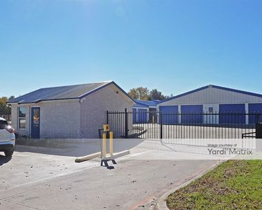 Storage Units for Rent available at 1004 Southeast Pkwy, Azle, TX 76020