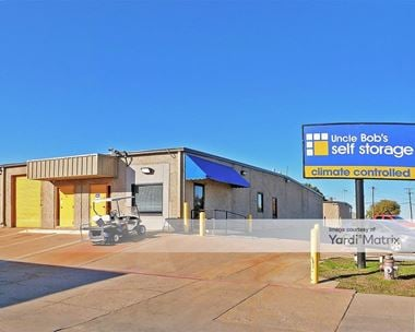 Storage Units for Rent available at 1061 Duncan Perry Road, Arlington, TX 76011