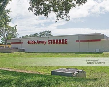 Storage Units for Rent available at 3950 34th Street South, St. Petersburg, FL 33711