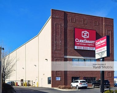 Storage Units for Rent available at 3402 North Kedzie Avenue, Chicago, IL 60618 Photo Gallery 1