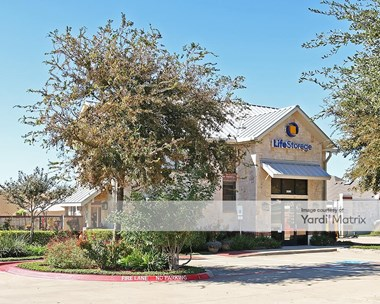 Storage Units for Rent available at 3080 Alma Road, McKinney, TX 75070 Photo Gallery 1
