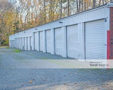 Storage Units for Rent available at 3113 George Washington Memorial Hwy, Hayes, VA 23072