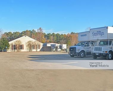 Storage Units for Rent available at 4375 George Washington Memorial Hwy, Hayes, VA 23072