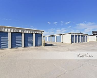 Storage Units for Rent available at 1931 Strickland Road, Clayton, NC 27520 Photo Gallery 1