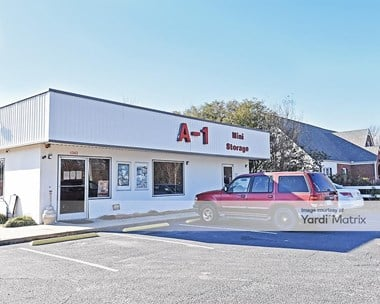 Storage Units for Rent available at 1343 West Market Street, Smithfield, NC 27577 Photo Gallery 1
