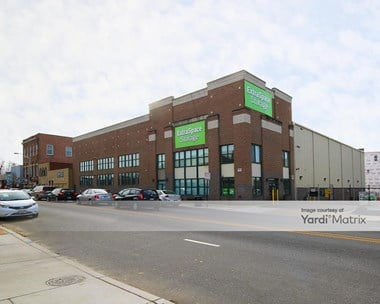 Storage Units for Rent available at 3634 Falls Road, Baltimore, MD 21211 Photo Gallery 1