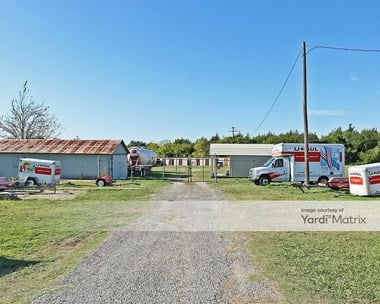 Storage Units for Rent available at 2401 West Ennis Avenue, Ennis, TX 75119 Photo Gallery 1