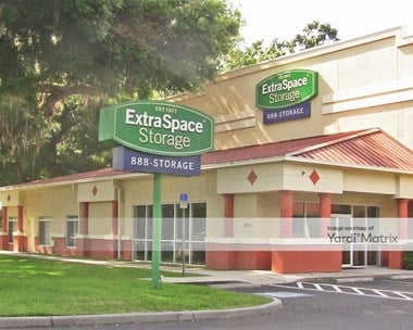 Storage Units for Rent available at 2402 Bloomingdale Avenue, Valrico, FL 33596 Photo Gallery 1