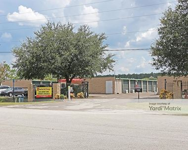 Storage Units for Rent available at 2825 Jacks Road, Davenport, FL 33897