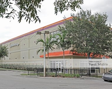 Storage Units for Rent available at 1611 South Douglas Road, Pembroke Pines, FL 33025 Photo Gallery 1