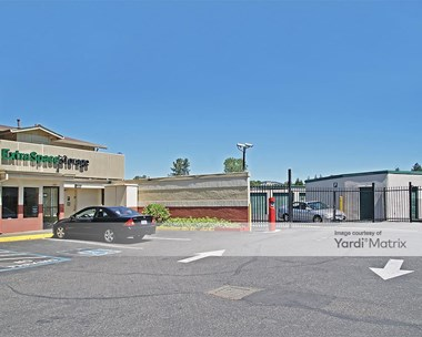 Storage Units for Rent available at 2053 West Steele Lane, Santa Rosa, CA 95403 Photo Gallery 1
