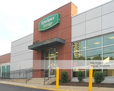 Storage Units for Rent available at 5140 River Road, Bethesda, MD 20816