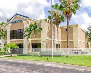 Storage Units for Rent available at 10719 Southern Blvd, Royal Palm Beach, FL 33411 Photo Gallery 1