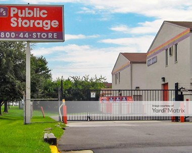 Storage Units for Rent available at 8523 Lee Hwy, Fairfax, VA 22031 Photo Gallery 1