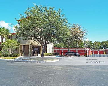 Storage Units for Rent available at 7501 South Dixie Hwy, West Palm Beach, FL 33405 Photo Gallery 1