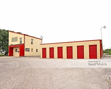Storage Units for Rent available at 115 Villa Drive, Universal City, TX 78148 Photo Gallery 1
