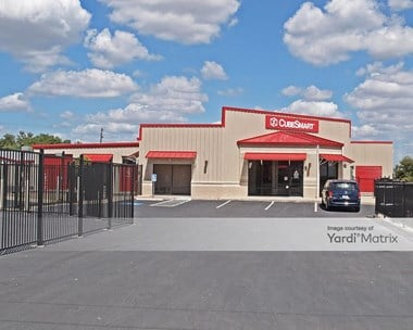 Storage Units for Rent available at 2400 North Austin Avenue, Georgetown, TX 78626 Photo Gallery 1