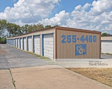Storage Units for Rent available at 1808 IH 35, Round Rock, TX 78681 Photo Gallery 1