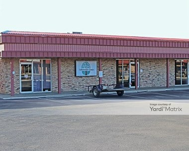 Storage Units for Rent available at 2304 West Park Row Drive, Pantego, TX 76013 Photo Gallery 1