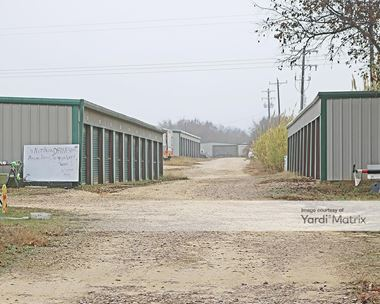 Storage Units for Rent available at 7711 East FM 917, Alvarado, TX 76009