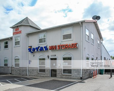 Storage Units for Rent available at 13328 NE Airport Way, Portland, OR 97230 Photo Gallery 1
