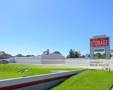 Storage Units for Rent available at 2590 17th Street, Sarasota, FL 34234