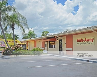 Storage Units for Rent available at 1597 Pine Ridge Road, Naples, FL 34109 Photo Gallery 1