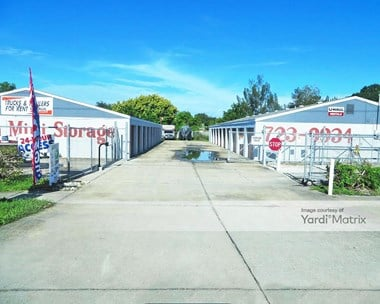 Storage Units for Rent available at 4777 US Highway 19, Palmetto, FL 34221 Photo Gallery 1