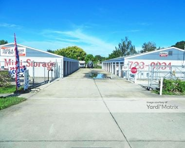 Storage Units for Rent available at 4777 US Highway 19, Palmetto, FL 34221