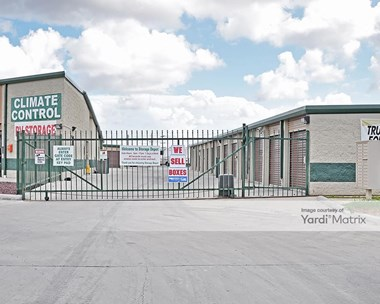 Storage Units for Rent available at 274 Kings Hwy, Brownsville, TX 78521 Photo Gallery 1