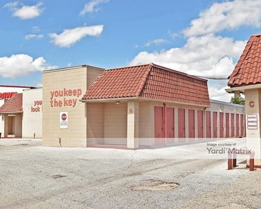 Storage Units for Rent available at 919 SE Military Drive, San Antonio, TX 78214 Photo Gallery 1
