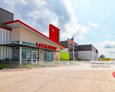 Storage Units for Rent available at 8401 Crestway Road, Converse, TX 78109 Photo Gallery 1