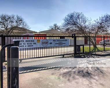 Storage Units for Rent available at 2100 West 18th Street, Houston, TX 77008 Photo Gallery 1
