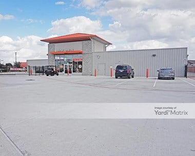 Storage Units for Rent available at 2101 Old Holzwarth Road, Spring, TX 77388 Photo Gallery 1
