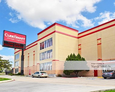 Storage Units for Rent available at 838 North Loop 1604 East, San Antonio, TX 78232 Photo Gallery 1