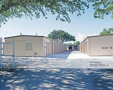 Storage Units for Rent available at 5001 8th Avenue South, Gulfport, FL 33707 Photo Gallery 1