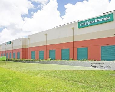 Storage Units for Rent available at 6550 West State Road 84, Davie, FL 33317