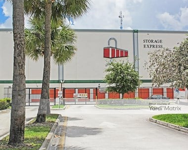 Storage Units for Rent available at 2700 North State Road 7, Hollywood, FL 33021 Photo Gallery 1