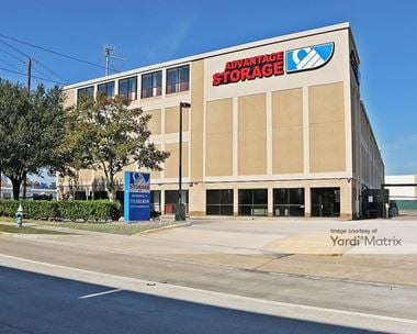 Storage Units for Rent available at 4250 Southwest Fwy, Houston, TX 77027