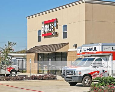 Storage Units for Rent available at 1924 FM 1092 Road, Missouri City, TX 77459