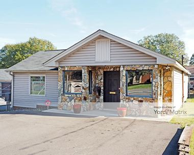 Storage Units for Rent available at 1671 Armstrong Ford Road, Belmont, NC 28012 Photo Gallery 1