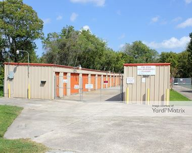 Storage Units for Rent available at 2607 Columbia Memorial Pkwy, League City, TX 77573