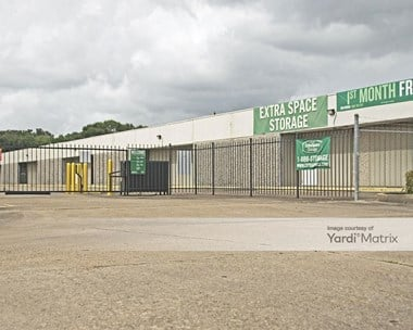 Storage Units for Rent available at 807 Brazospark Drive, Clute, TX 77531 Photo Gallery 1