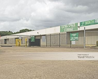 Storage Units for Rent available at 807 Brazospark Drive, Clute, TX 77531