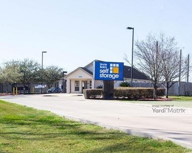 Storage Units for Rent available at 4155 Fairway Plaza Drive, Pasadena, TX 77505