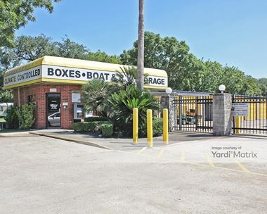 Storage Units for Rent available at 5710 Broadway Street, Pearland, TX 77581