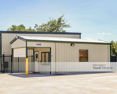 Storage Units for Rent available at 4000 Bailey Avenue, Manvel, TX 77578