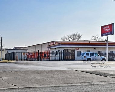 Storage Units for Rent available at 1556 West Ogden Avenue, Naperville, IL 60540 Photo Gallery 1